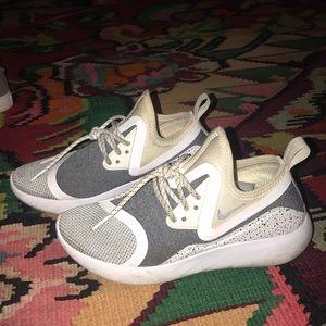 Nike lunar eclipse tennis shoe I think